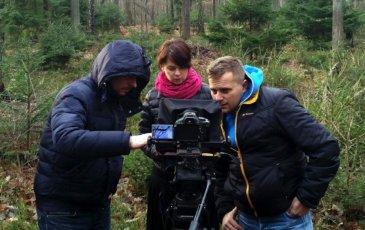 Produkcja filmowa w lesie